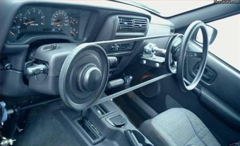Coste en el taller del cambio de lado del volante de un auto para poder manejar