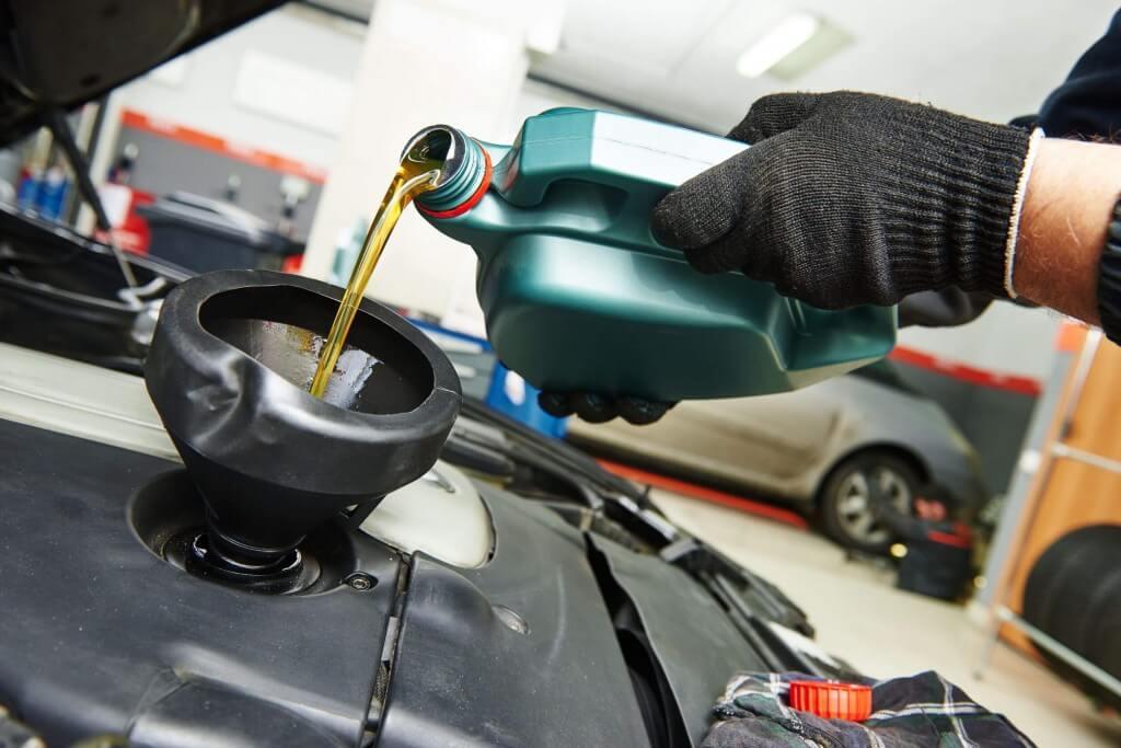 Cuando debo cambiar el aceite del auto y cuando es obligatorio realizar una mantención