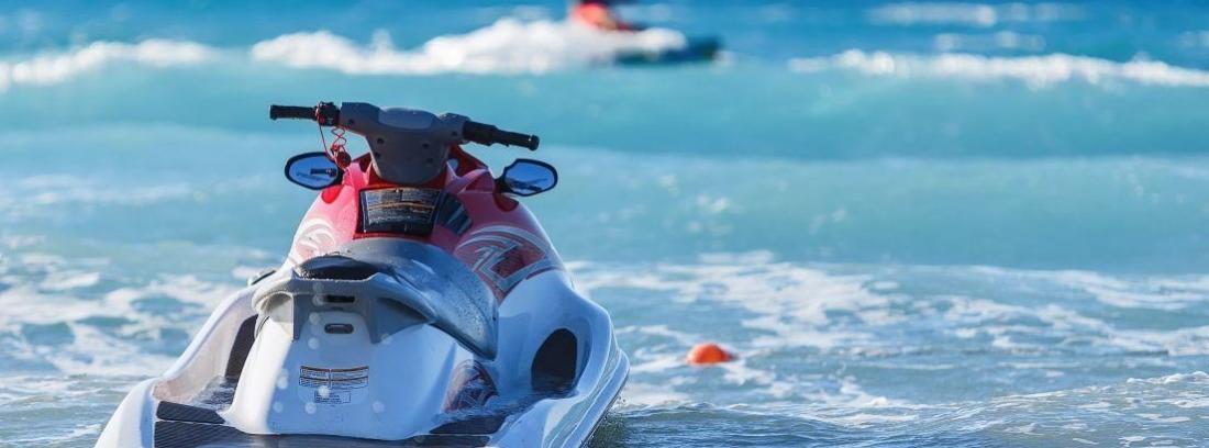 Requisitos y documentación para poder manejar lanchas y embarcaciones a motor