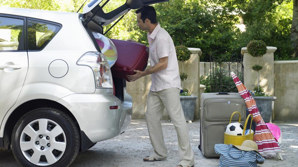Cómo distribuir debidamente la carga que llevamos en el auto para evitar partes