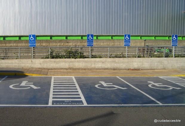 Dónde ubicar los estacionamientos para personas discapacitadas