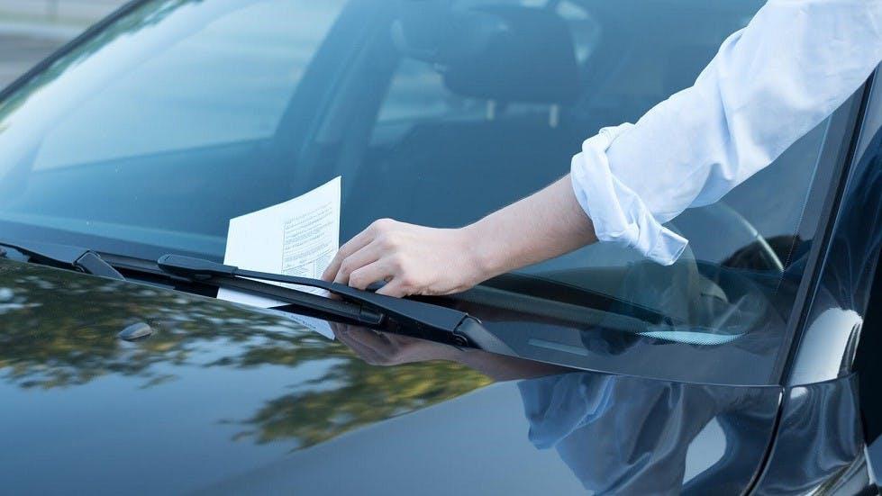 Cómo eliminar una multa que no ha sido pagada al comprar un vehículo usado