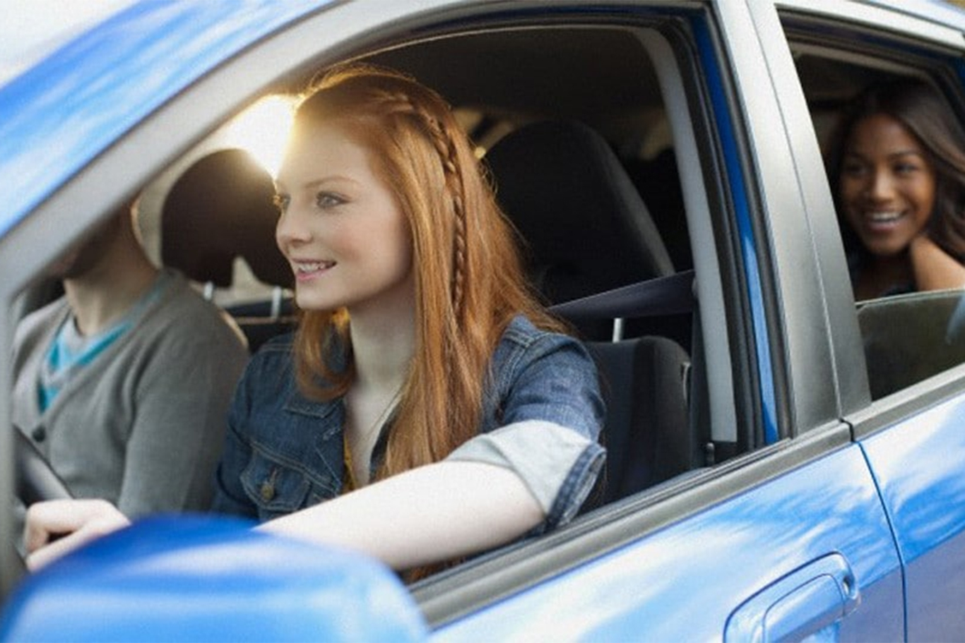Cumplimiento de las restricciones horarias y de vías a los conductores menores de edad