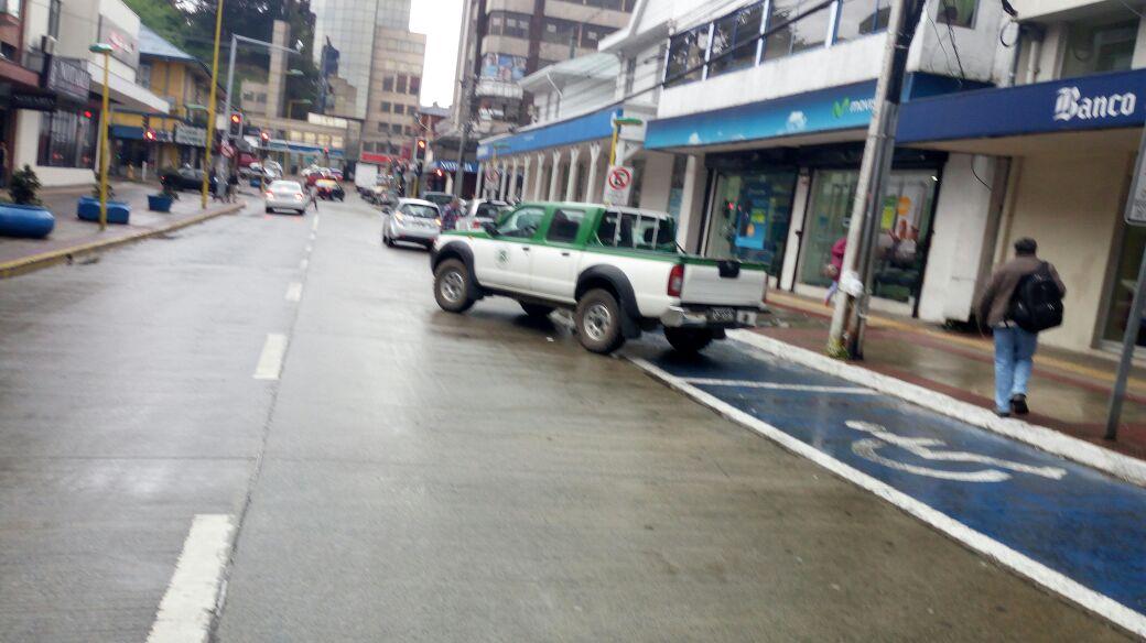Estacionamiento reservado para personas con discapacidad