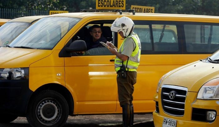 Otros servicios de transporte remunerado de pasajeros que los furgones escolares pueden hacer