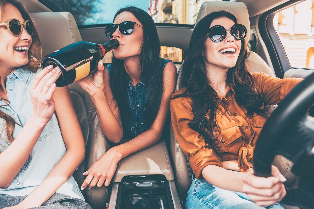 Infracciones y delitos que podemos cometer si manejamos un auto alcoholizados