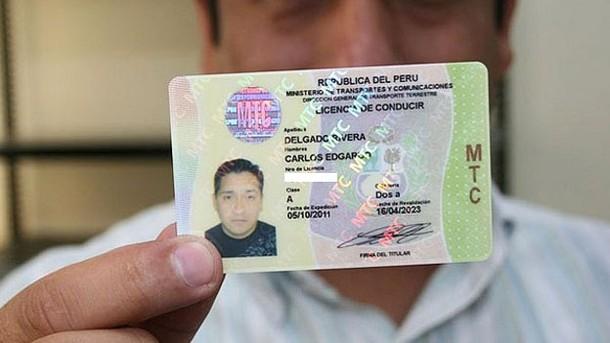 Cómo homologar una licencia de conducir expedida en Chile si emigramos a Perú