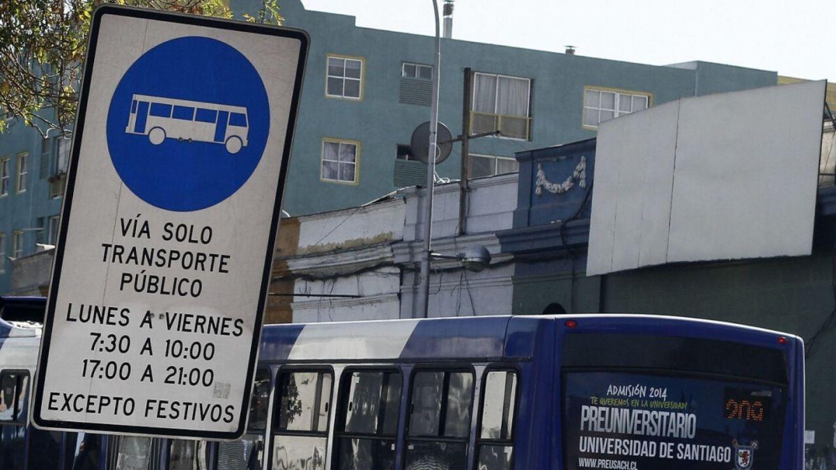 Vehículos que pueden utilizar las pistas solo buses y multas por su uso incorrecto