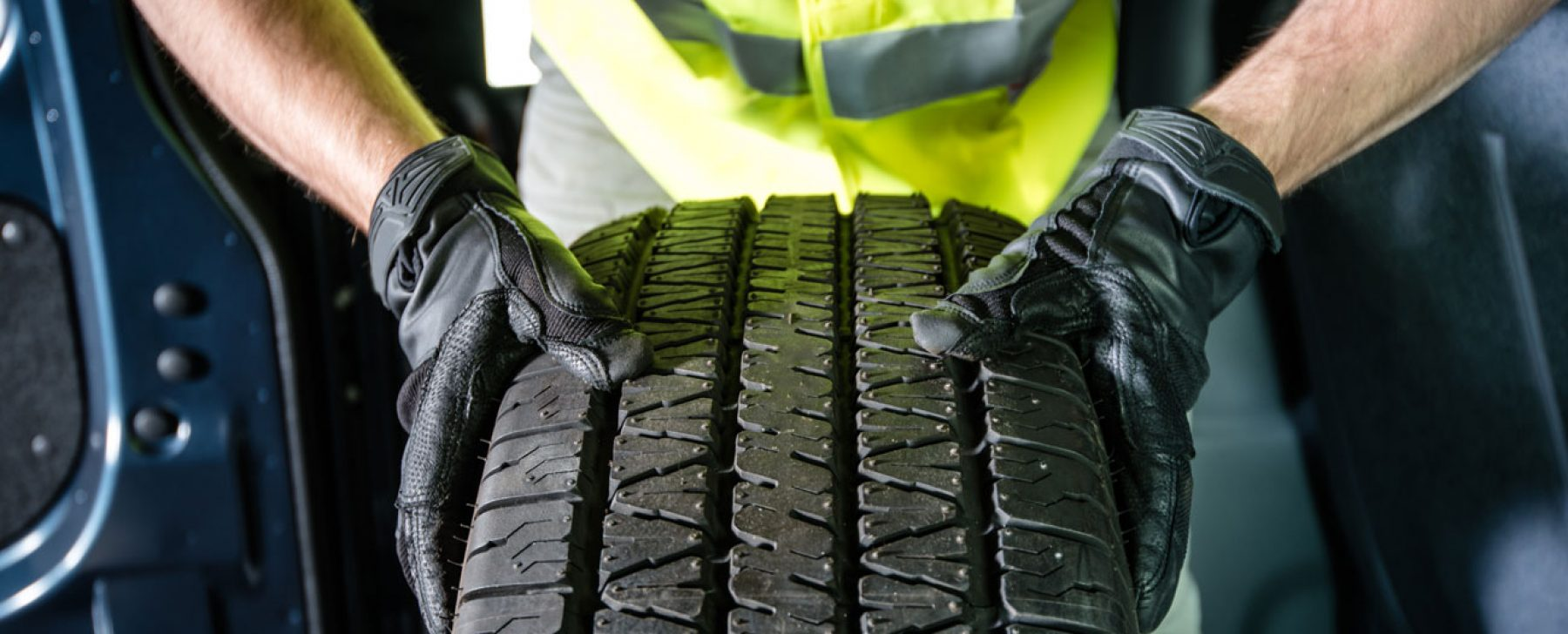 Cómo mantener la presión de aire de los neumáticos en el nivel recomendado por el fabricante