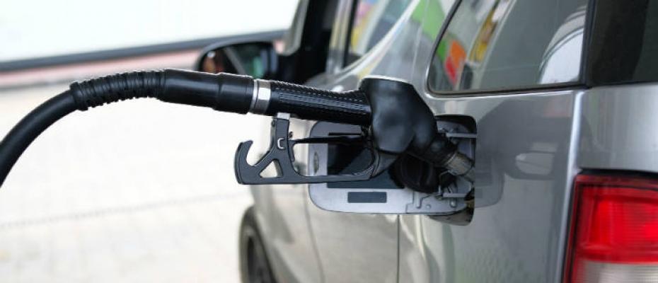 Impuestos para vehículos diésel y gasolina dependiendo de su combustible en Chile.