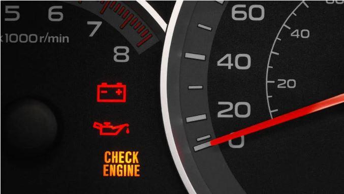 Qué es la luz de check engine y que significará si parpadea o está totalmente fija.