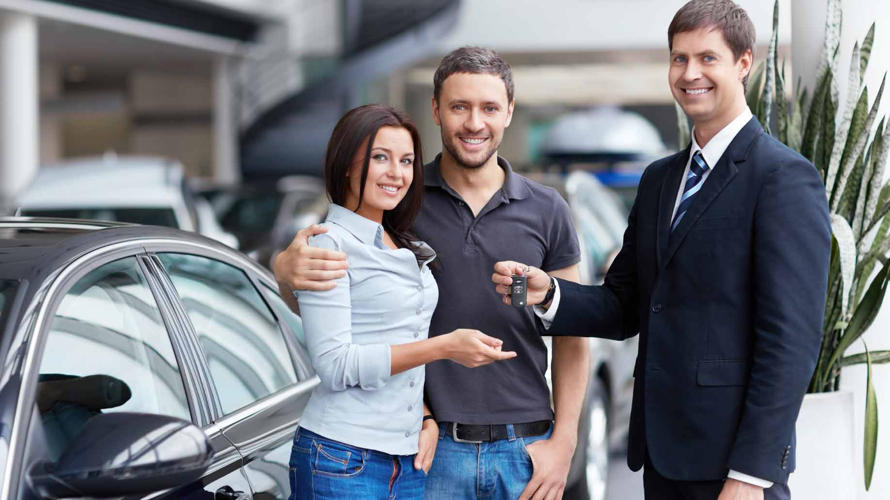 Ventajas de comprar un auto seminuevo y qué características tienen para ser así considerados