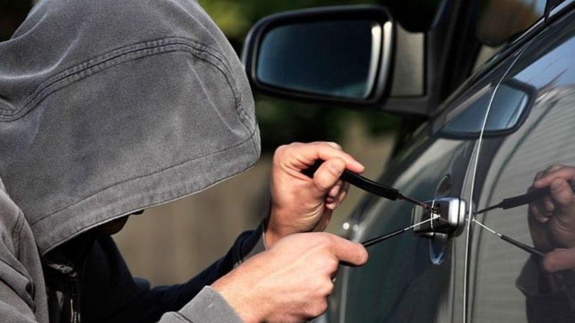 Cómo informar a mi aseguradora de que he sufrido un robo en mi automóvil en Chile