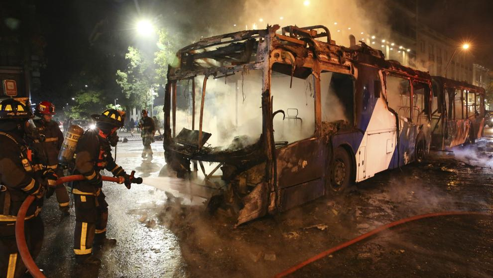 Cobertura seguro de auto incendio en vehículo actos vandálicos y disturbios