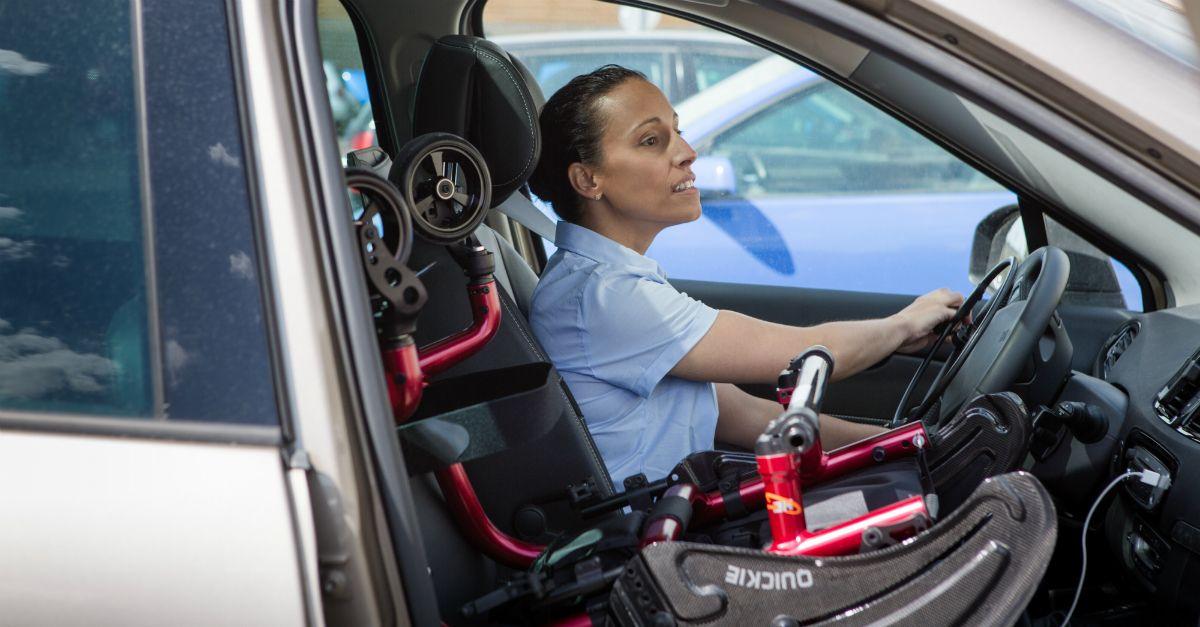 Cómo obtener la licencia de conducción de clase profesional si soy discapacitado