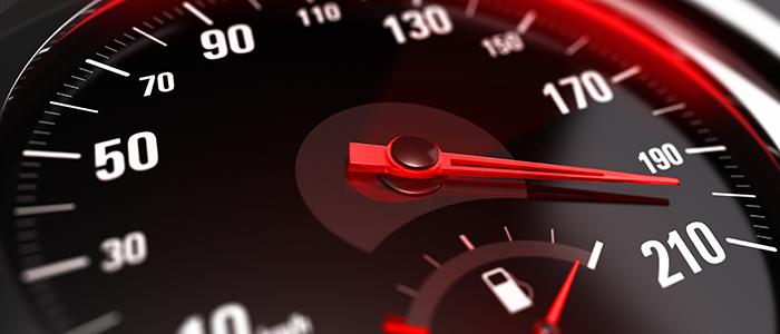 Sanciones por manejar un vehículo a velocidad inadecuada