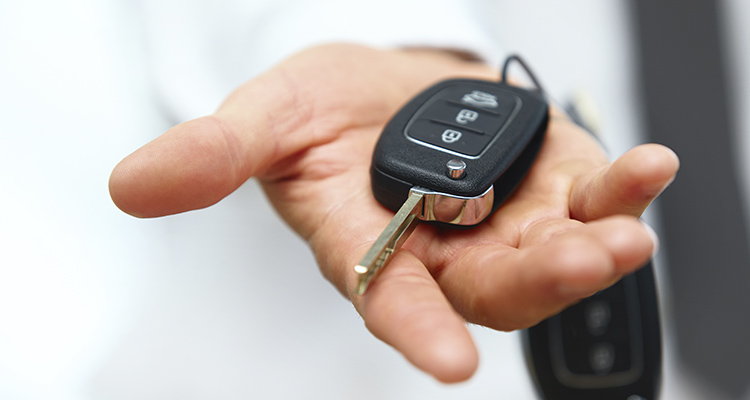 Cómo se puede vender un vehículo importado y cuantos años hay que esperar