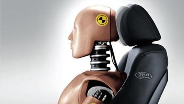 Apoya cabezas del vehículo delantero y trasero para evitar daños al sufrir un choque